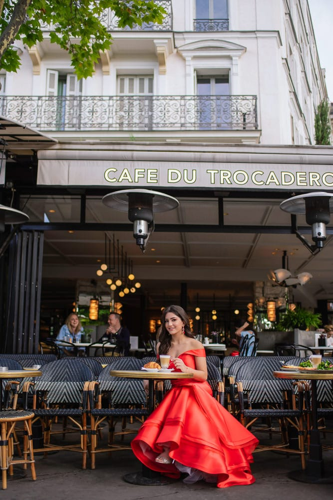 places to take quinceanera pictures a parisian cafe