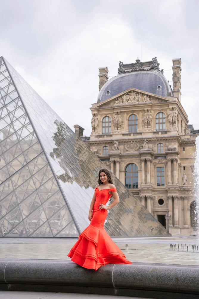 where to take quinceanera pictures - by the louvre museum