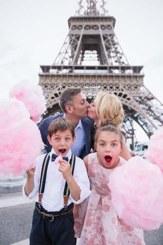 Amazing things to do in Paris with kids - Family photos with The Paris Photographer