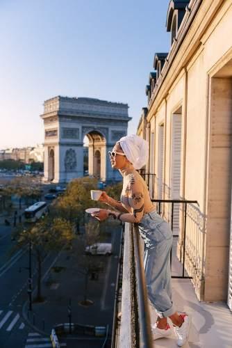 Lifestyle photos in a Parisian hotel