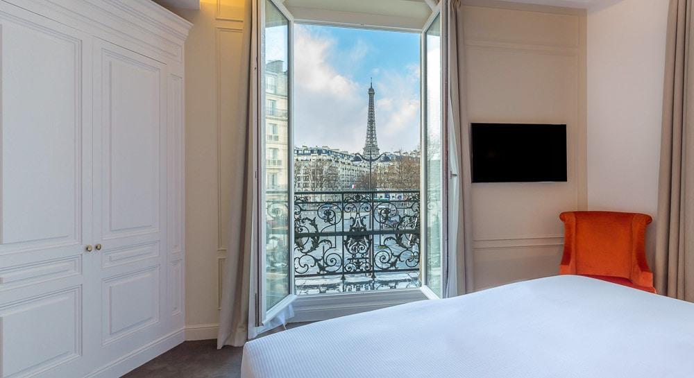 Hotel La Comtesse Paris - Eiffel Tower view