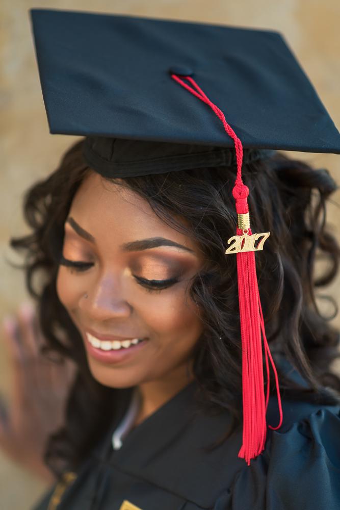 Graduation photos in Paris 17