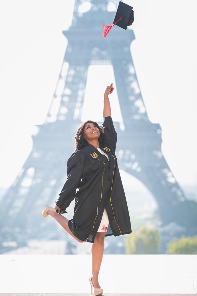 Graduation photos in Paris 8