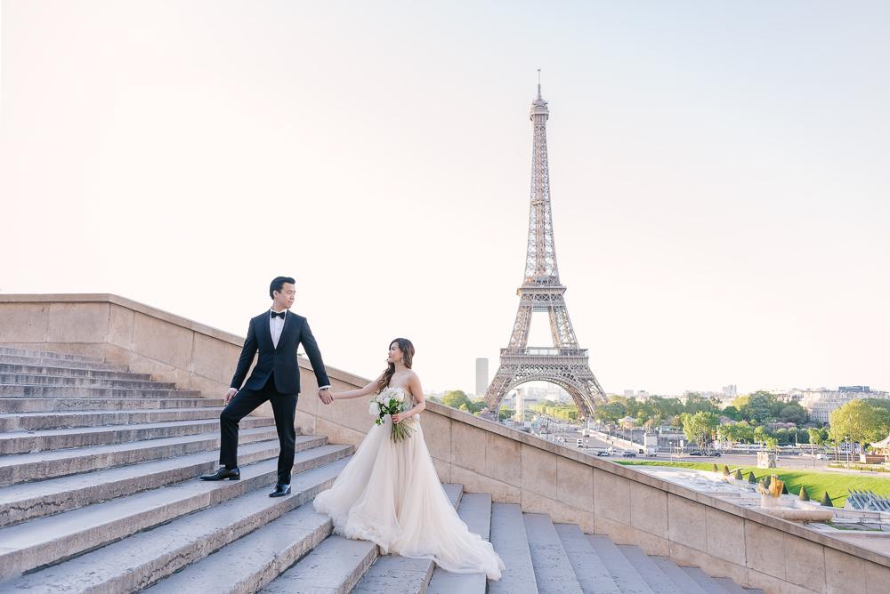 Trodadero stairs bride and groom taking wedding photos