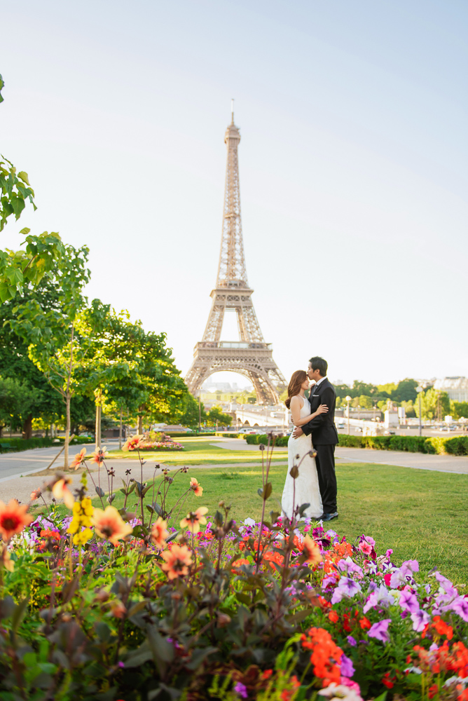 Wedding photos at Trocadero gardens with colorful flowers