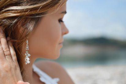 earrings-2593350_1280