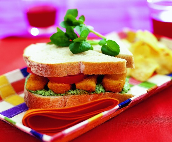 u_2014_07_26 Fishfinger sandwich with green mayonnaise HR (2005)