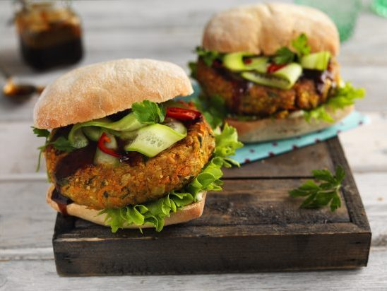 Carrot and chickpea burgers
