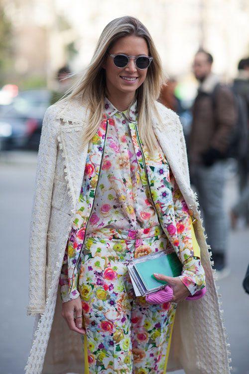 over the shoulder spring coat trend5