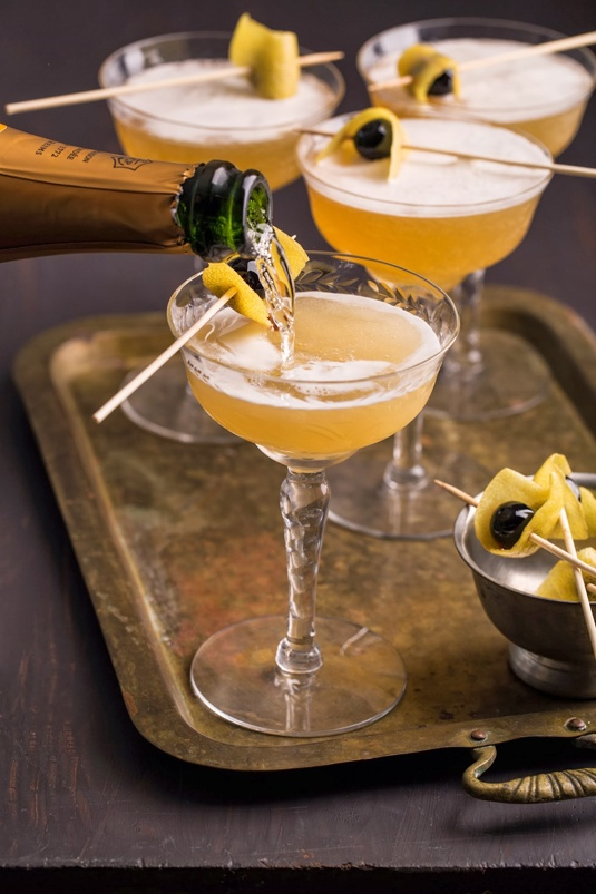 sparkling-bees-knees-new-years-eve-champagne-cocktails