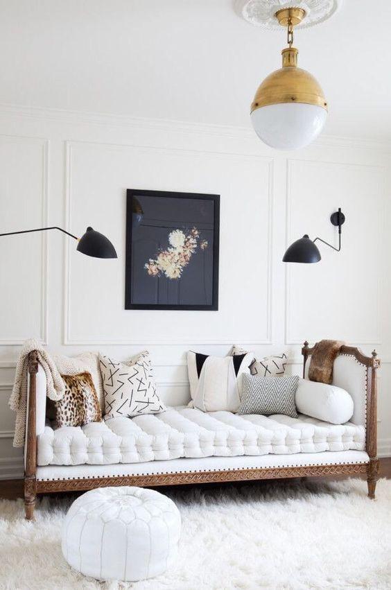 antique-daybed-modern-decor