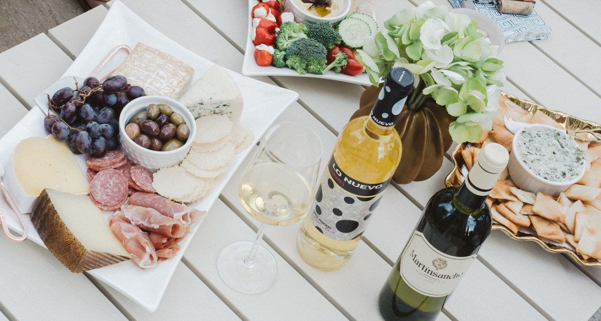 How To Plan A Wine Happy Hour