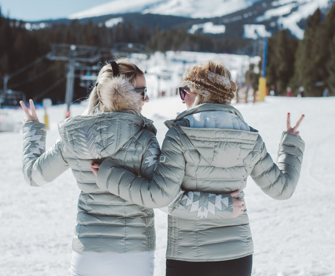 Chic Ski Outfits Sisters