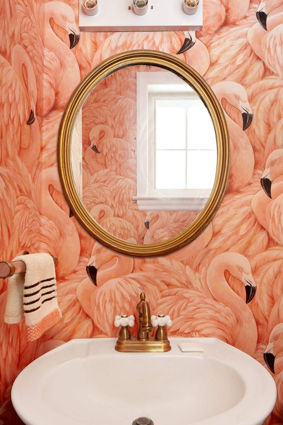flamingo-wallpaper-bathroom