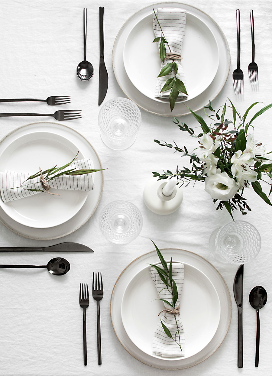 ... simple-minimal-table-setting-black-flatware  sc 1 st  The Perennial Style & 4 Flatware Trends To Dress Up Your Dinner Table \u2022 The Perennial Style