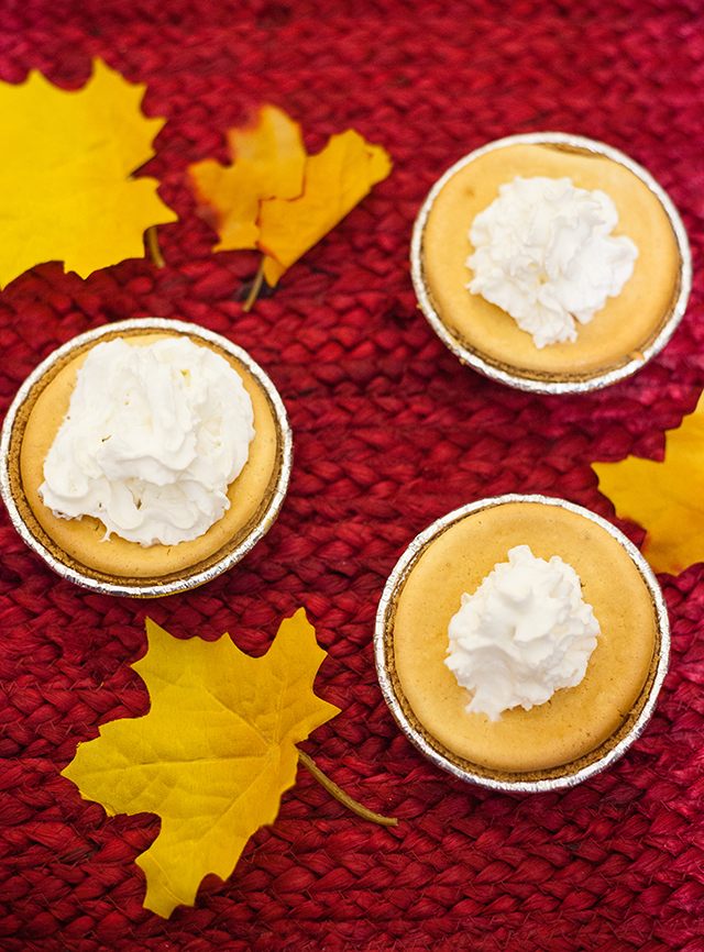 Effortless Mini Pumpkin Cheesecake with Oikos® Keebler® and Reddi-wip®