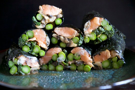 Healthy Seaweed Wrapped Seared Salmon Rolls
