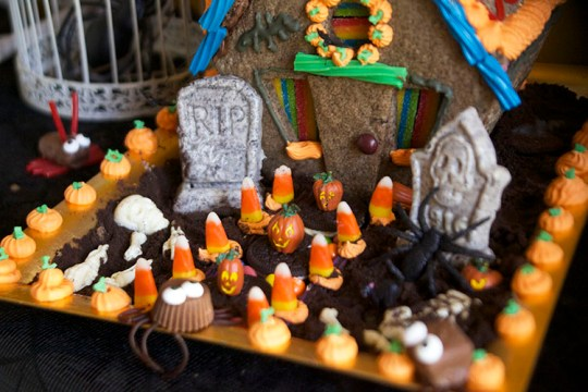 Haunted Halloween Cookie House Tombstones