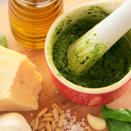 Italian Homemade Pesto Sauce - Quick, Easy and Vegetarian - Recipe by the petite cook