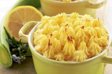 British Fish Pie with Scallops and King Prawns - Healthy comfort food recipe for anytime of the year- thepetitecook.com