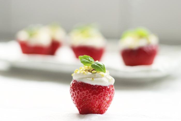 cheesecake-strawberry-bite