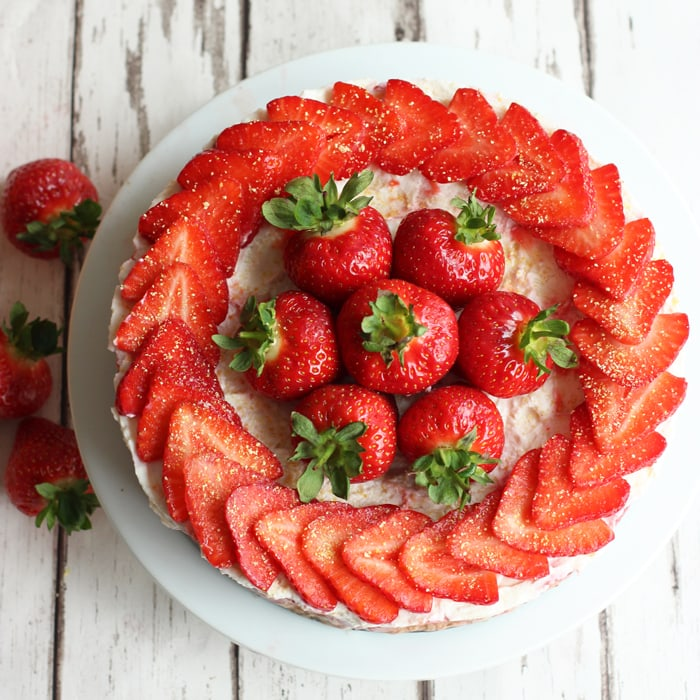 strawberry-cheesecake-petite
