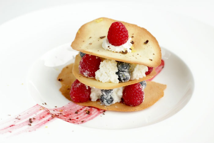 Cooking with Stephen Lee, Masterchef 6 US edition: Tuiles, Berries and Mascarpone - How to make a michelin-star-worthy dessert in less 30 minutes. Recipe by The Petite Cook