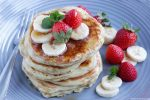 This Basic Buttermilk Pancakes recipe will help you recreate a weekend favorite in less than 10 minutes! Recipe from thepetitecook.com