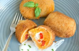 These Easy Sweet Potato Croquettes have a cheesy refreshing ricotta filling and make a great vegetarian finger food for entertaining. Ready in less than 30 min, they're just the perfect way to use up any leftover sweet potatoes! Recipe from thepetitecook.com