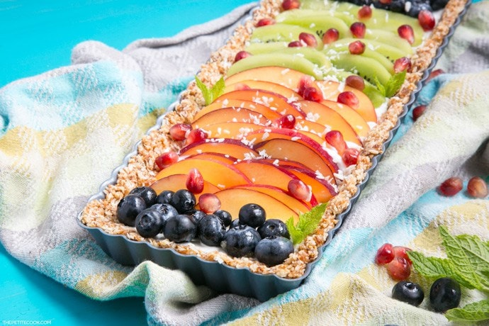 Rainbow-Fruit-Yogurt-Tart-PetiteCook
