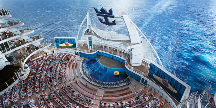 An unforgettable foodie and travel experience on board Royal Caribbean's Harmony of The Seas, the biggest cruise ship of the world. Review by thepetitecook.com