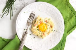 These fluffy and light Eggs In a Cloud make an impressive, yet simple, breakfast/brunch/light lunch in less than 15 minutes - Plus, they're loaded with protein and are naturally gluten-free and meat-free! Reecipe by The Petite Cook - thepetitecook.com