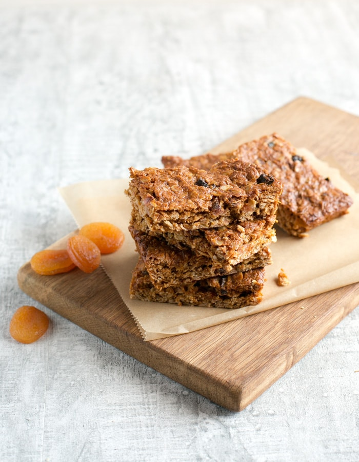 These energy-packed vegan fruit flapjacks are yummy, chewy and, above all, simple to make. A fruit-filled treat great for breakfast or for snacking on during the day. Recipe by The Petite Cook