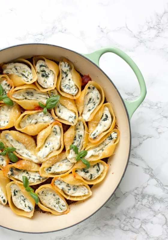 These classic Italian Spinach and Ricotta Stuffed Pasta Shells have all it takes to become a family favourite.Awesomely vegetarian, they're easy and quick enough to make for a weeknight dinner, but also pretty enough to serve at dinner parties and get-togethers. Recipe by The Petite Cook