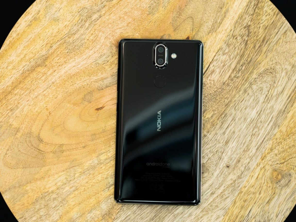 Nokia 8 Sirocco released hands-on rear