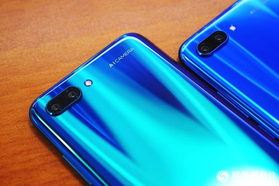 Huawei Honor 10 Hands-On Review Rear Camera