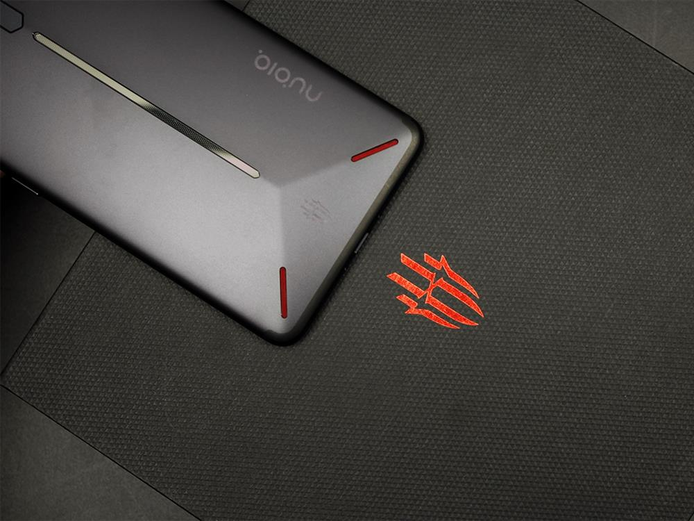 ZTE Nubia Red Magic Unboxing Review back 6