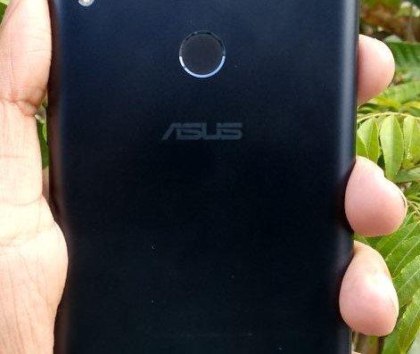 ASUS Zenfone Max Pro M1 Review - Back 1