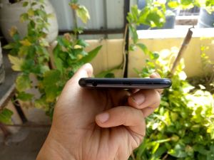 ASUS Zenfone Max Pro M1 Review - Bottom