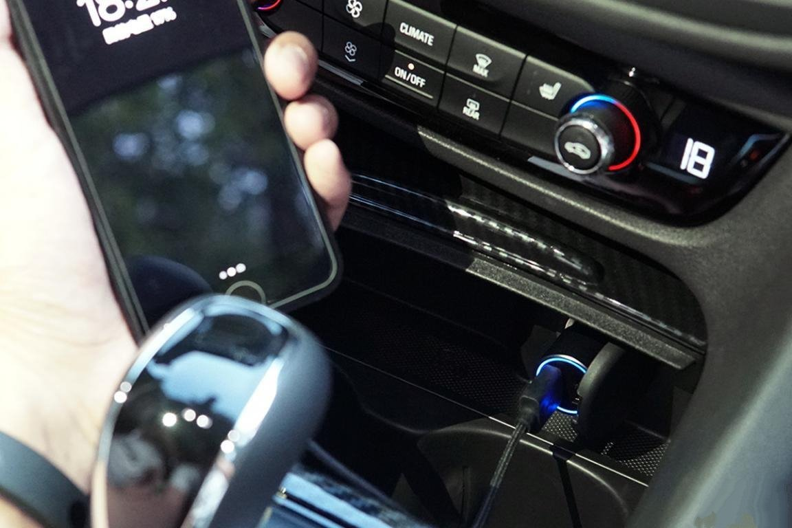 Xiaomi Qingmi Car Charger review - LED indication