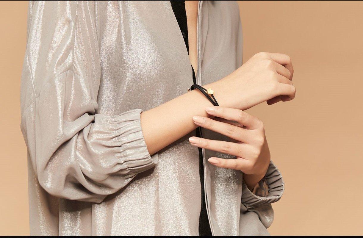 Xiaomi Mi Jiachu Heart Gold Bracelet Featured