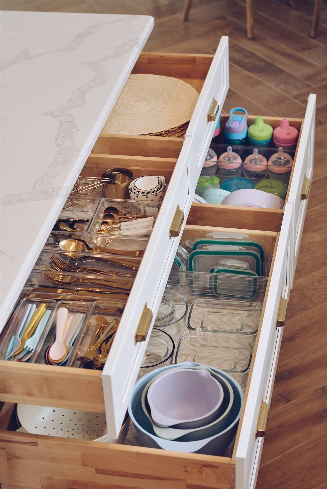 Kitchen Organization How To Organize Your Kitchen Drawers The Pink Dream
