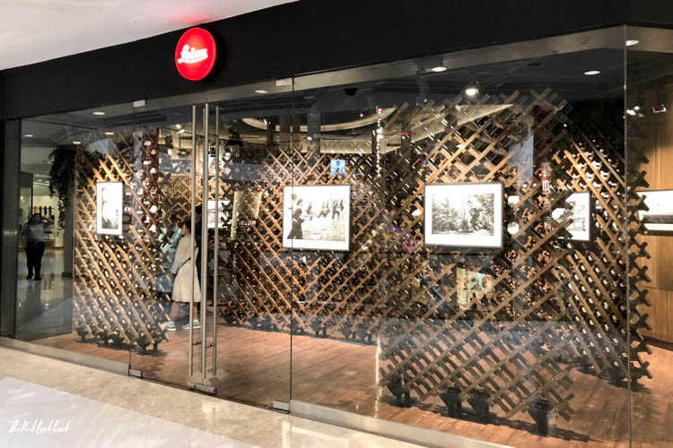 Nick Ut Leica Gallery Bangkok Gallery