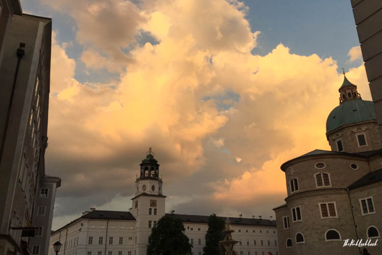 Ultimate Guide Salzburg Residenzplatz Sunset