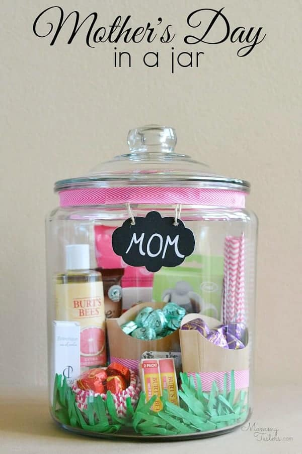 Pamper mom on Mother's Day with this cute spa kit.