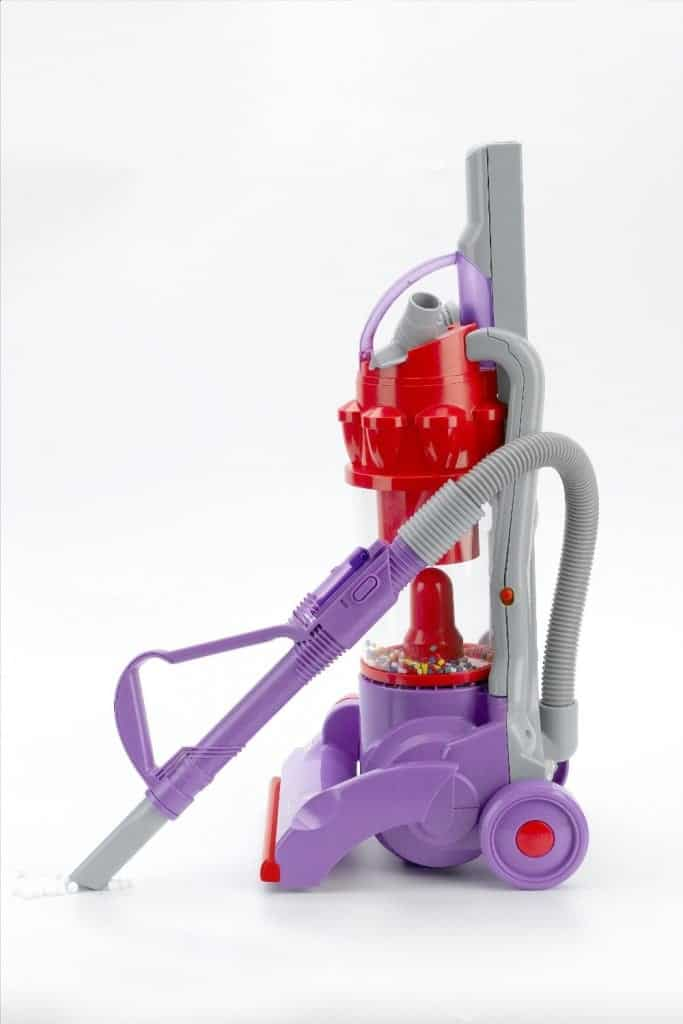 10+ Simple Things to Help Kids Clean: Toy Vacuum with Real Suction - www.thepinningmama.com