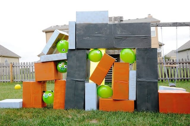 10+ Crazy Fun Outdoor Games Perfect for a Backyard Barbecue: Life Size Angry Birds| www.thepinningmama.com