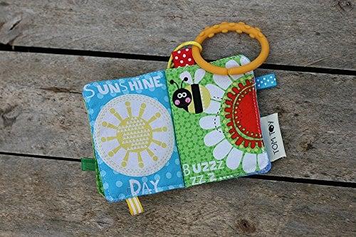 10+ Beautiful Handmade Baby Gifts: Mini Baby Book  www.thepinningmama.com