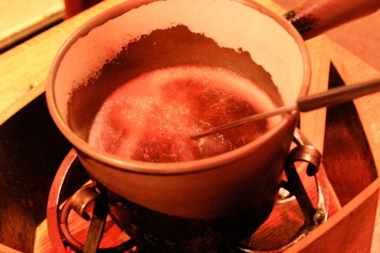 Fondue Stube Bubbling Oil