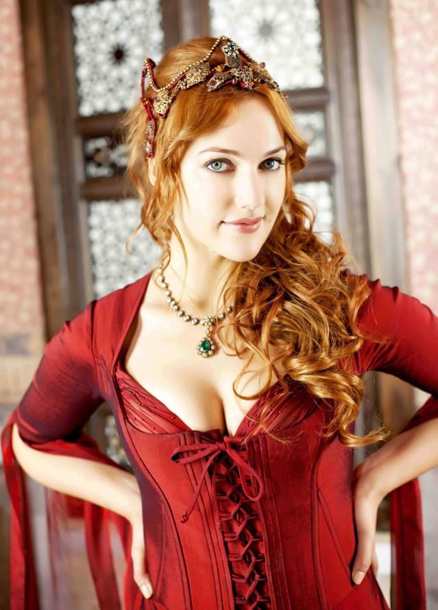 Artis Turki cantik Meryem Uzerli di Abad Kejayaan